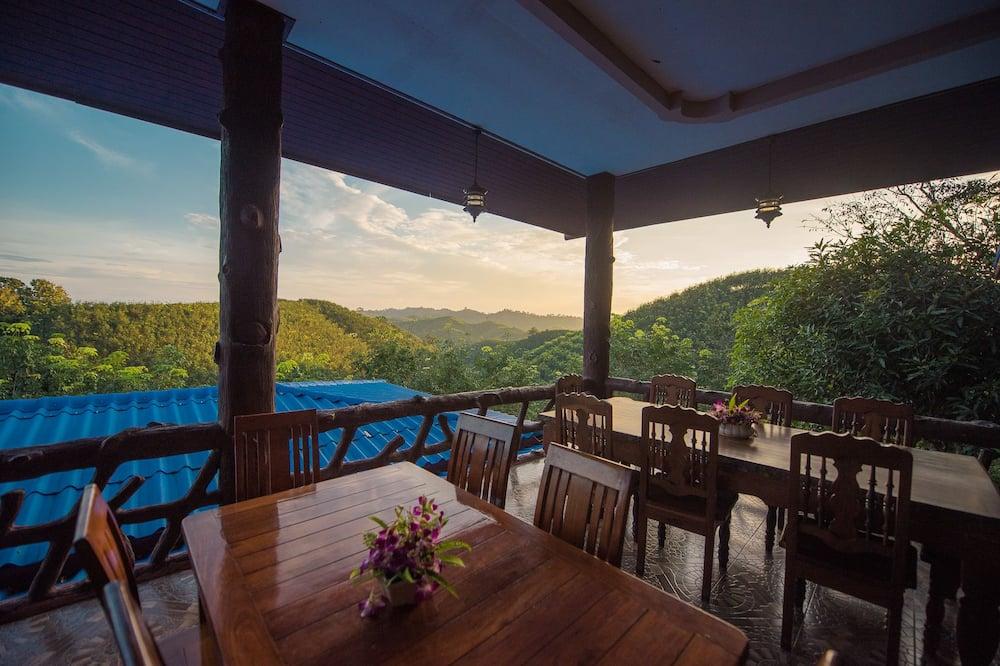 Family Room, Patio, Mountain View - Balcony