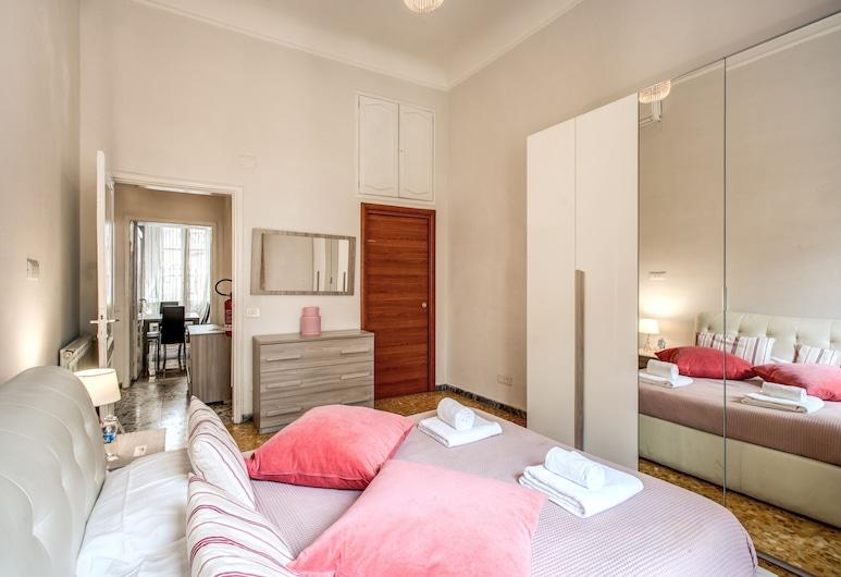 Colonna Suite Luxury - Termini Station Big Apartment, Rom, Apartment, 3 Bedrooms, Fireplace, Bilik