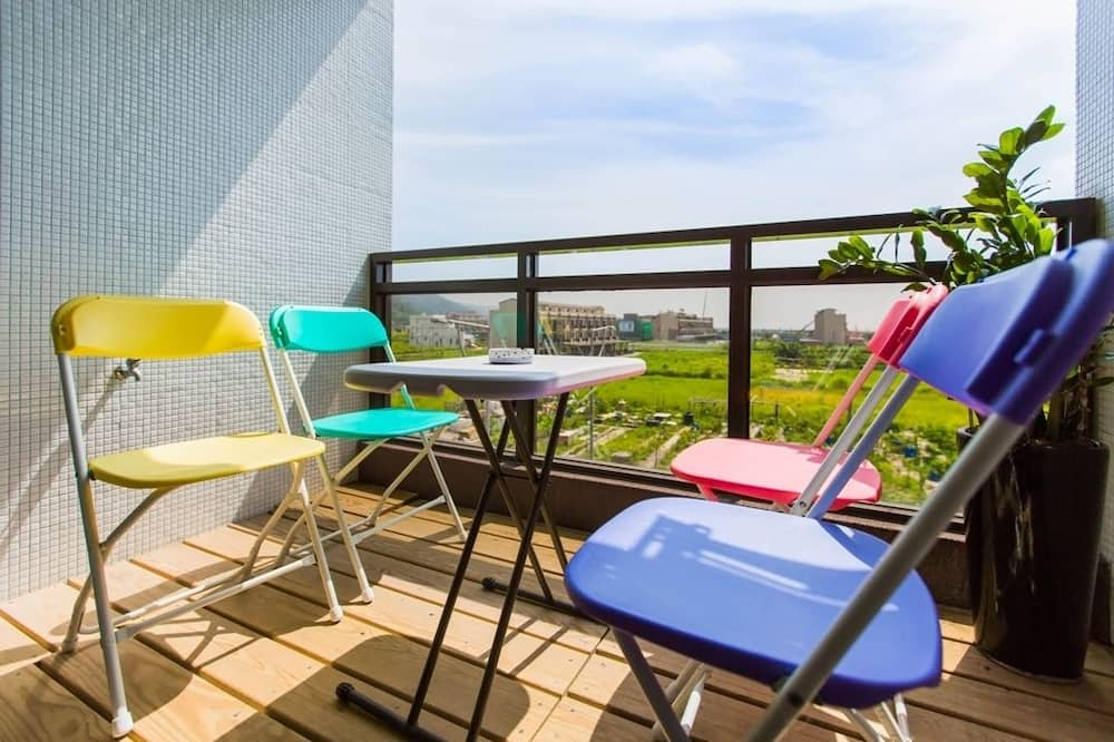 Family Quadruple Room, Bathtub, Partial Sea View - Balcony