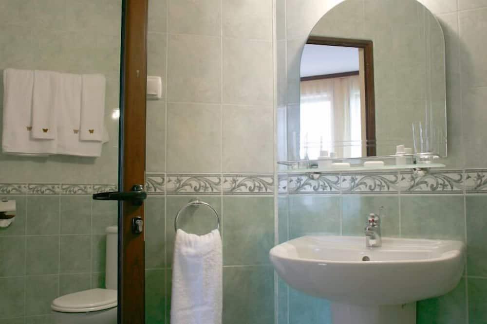 普通套房 (for 3 people) - 浴室