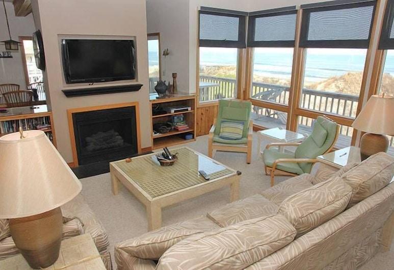 Shore Leave, Corolla, Obývacie priestory