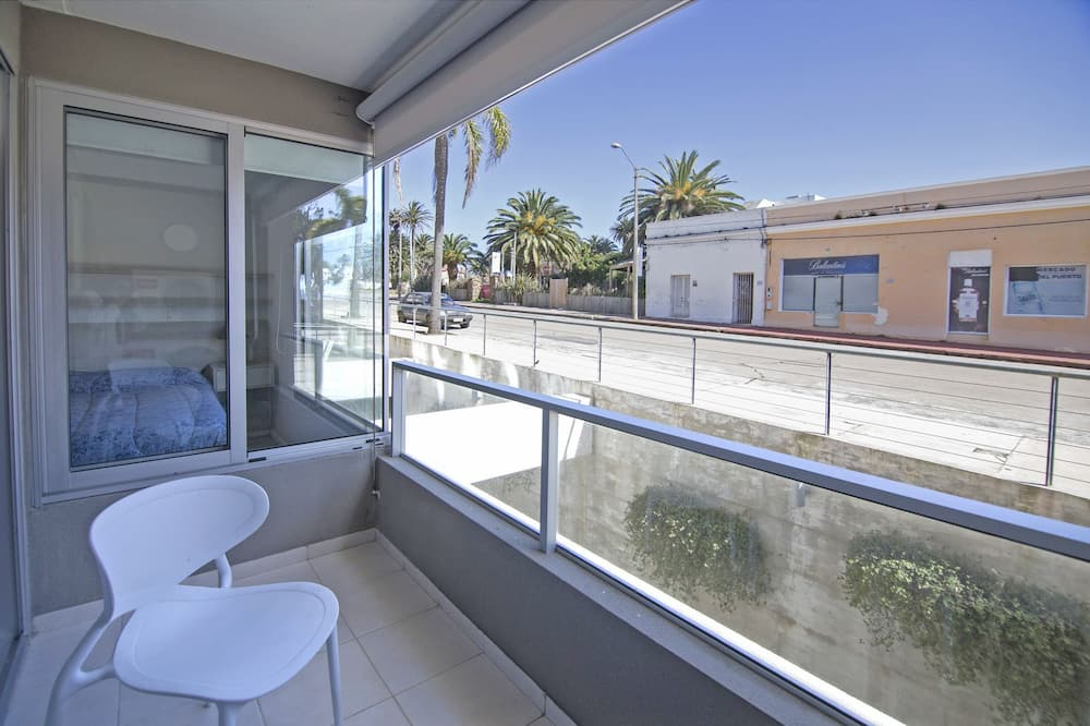 Apartment, 1 Bedroom, 2 Bathrooms (4 people) - Balcony