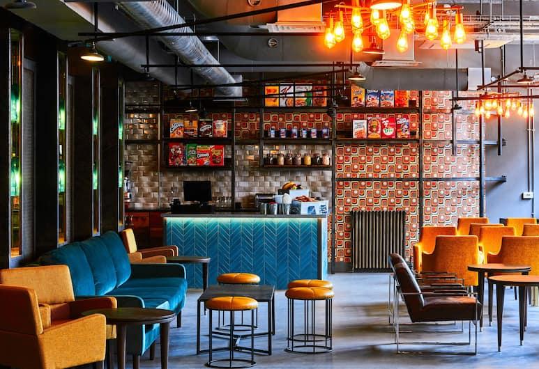 New Road Hotel, London, Hotellounge