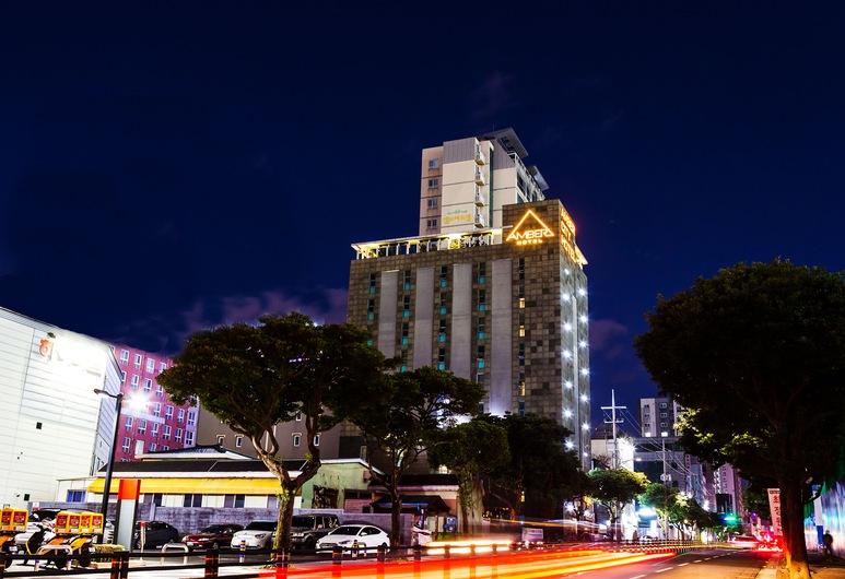 琥珀城市飯店, Jeju City, 飯店入口 - 夜景