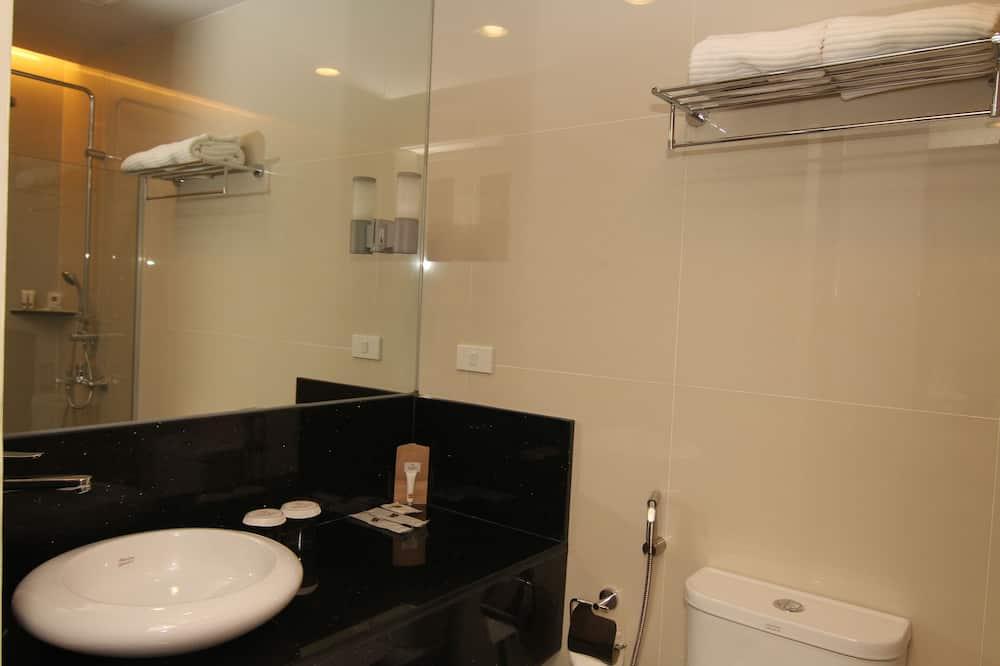 Luxe Plus - Bathroom