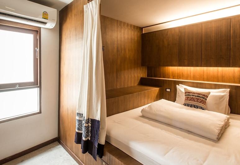 Baan Heart Thai, Чиангмай, 5-Queen Cabin Bed Mixed Dormitory With Shared Bathrooms, Номер