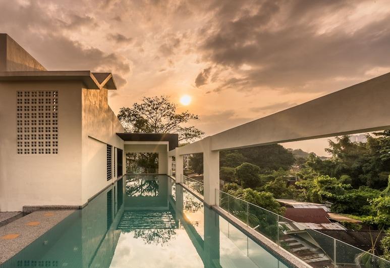 Treasures Hotel and Suites, Malacca City, Alberca al aire libre