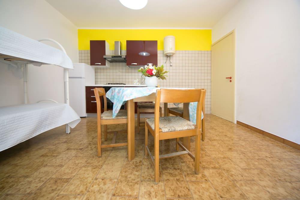 Deluxe appartement, 1 slaapkamer, keuken - Eetruimte in kamer