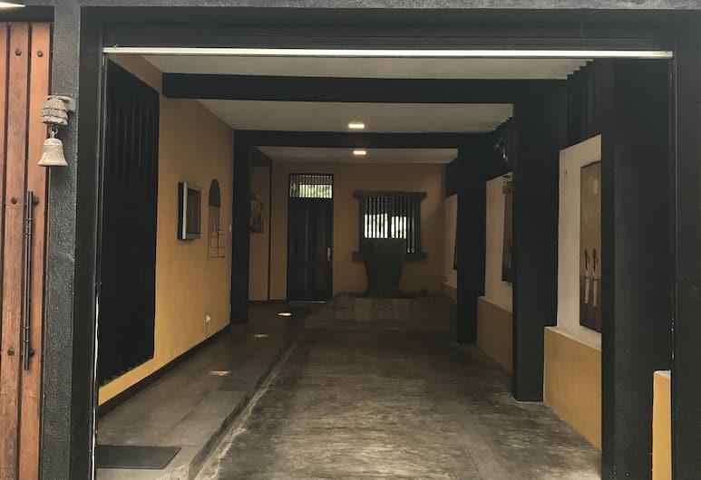 Villa Colombo Five, Colombo