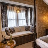 Room with Bay Window - Oturma Alanı