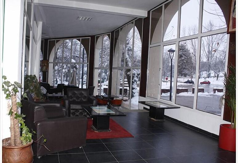 Le Chamonix, Ifrane, Pintu Masuk Dalaman