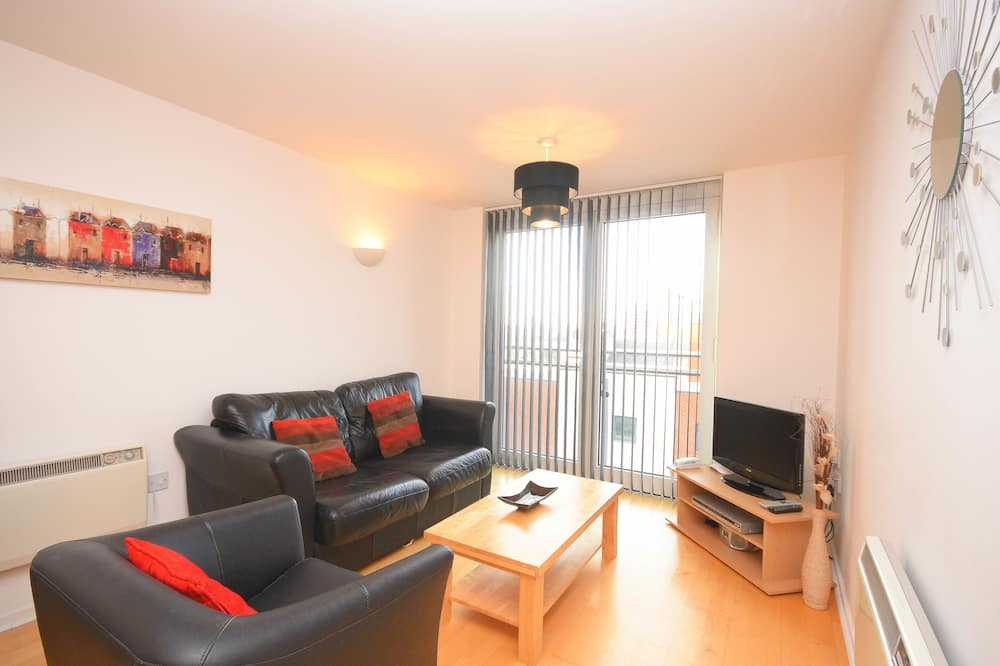 City Apartment, 1 Bedroom, City View - Living Area