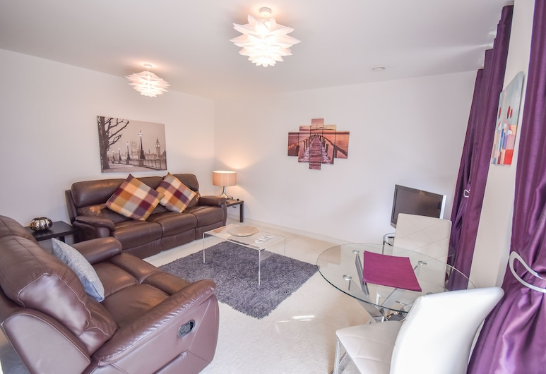 Town or Country - Splash Apartments, Southampton, Living Area