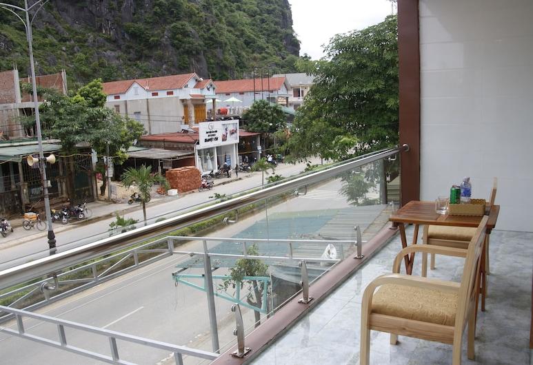 Mini Mansion, Bo Trach , Familjerum, Balkong