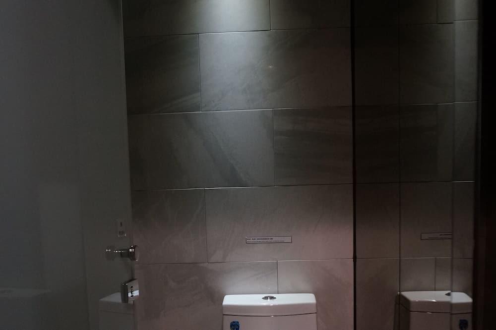 Slaapzaal, alleen vrouwen - Badkamer