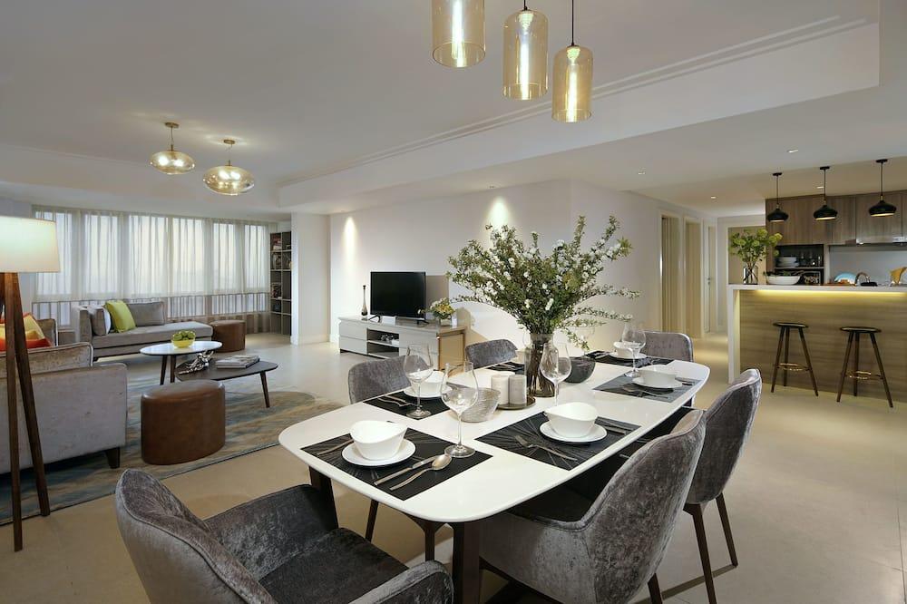 3- Bedroom Suite - In-Room Dining