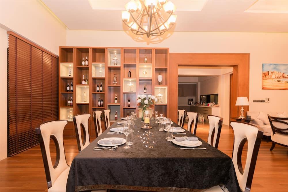 4 Bedrooms Villa with Private Pool - Odada Yemek Servisi