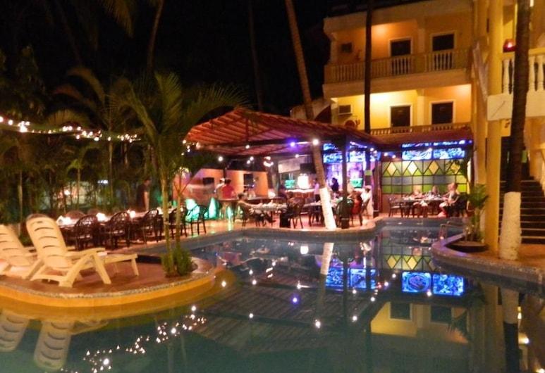 恰朗格烏泰城堡別墅酒店, Calangute, 室外泳池