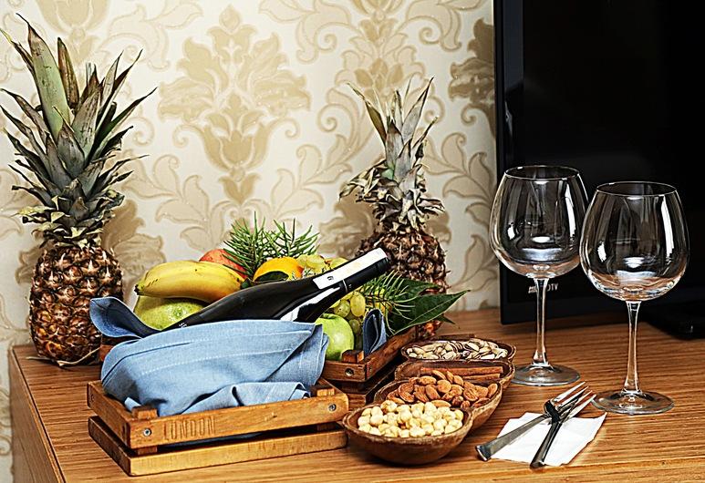 Sor Hotel Eskisehir, Eskisehir, Standard Triple Room, In-Room Dining