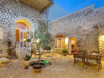 Picture of Azamra Inn Tzfat in Safed