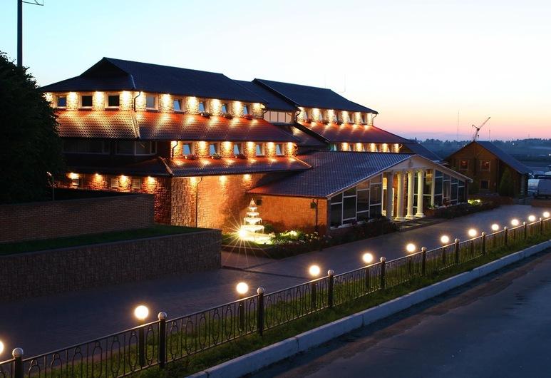 Versal Hotel Complex, Winnica