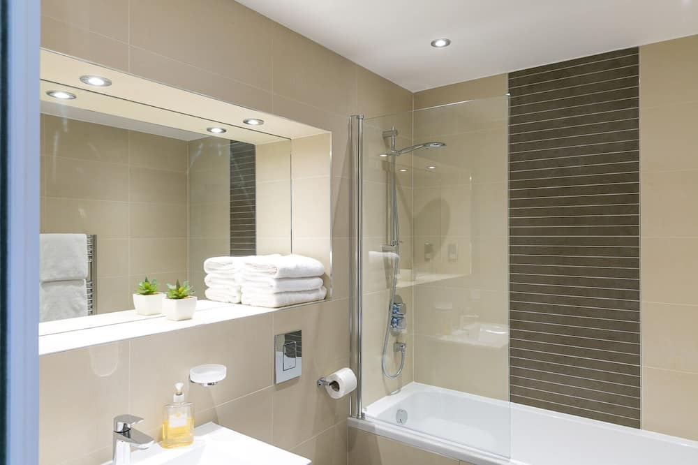 Apartment, Private Bathroom, River View (The Lily Pad ) - Bathroom