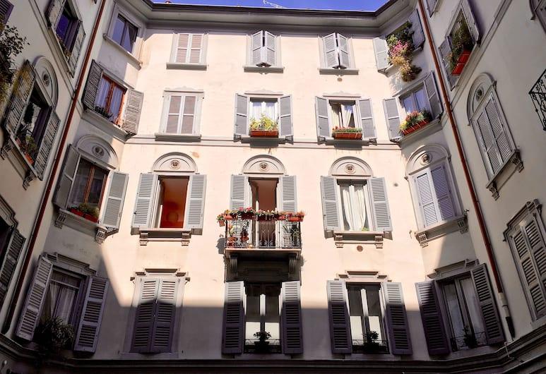 Residenza Belle Epoque, Milan, Bagian depan properti