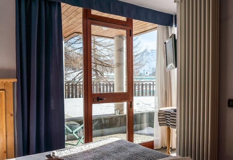 Chalet Weal, Sestriere, Doppel- oder Zweibettzimmer, Balkon, Bergblick, Zimmer