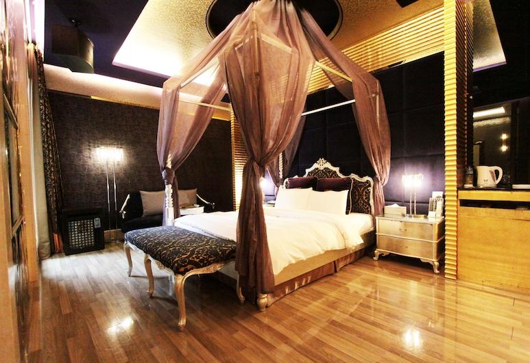 約客頂級汽車旅館, 桃園市, 經典雙人房, 1 張特大雙人床, 按摩浴缸, 客房