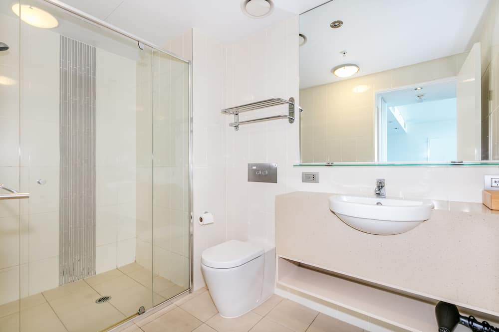 Apartment, 1 Bedroom, City View - Bathroom