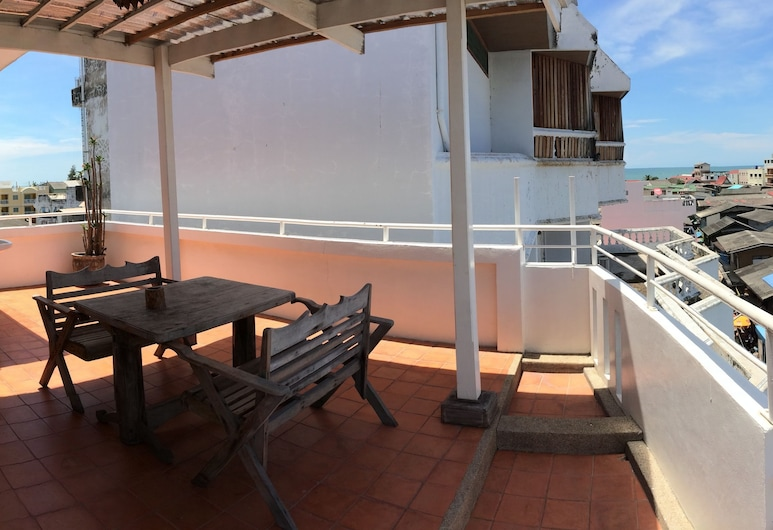 Tongmee Guest House, Hua Hin, Rooftop terrace double room, Terrace/Patio