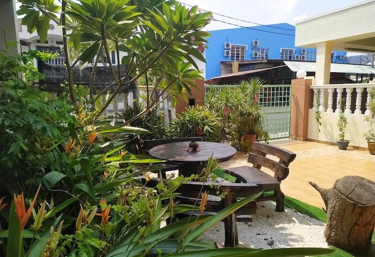 Three Little Birds Home - Hostel, Malacca City, Family Room, Balcony, Terrace/Patio