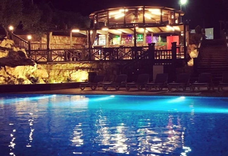 Olive Gardens Resort, Aafsdiq, Vonkajší bazén