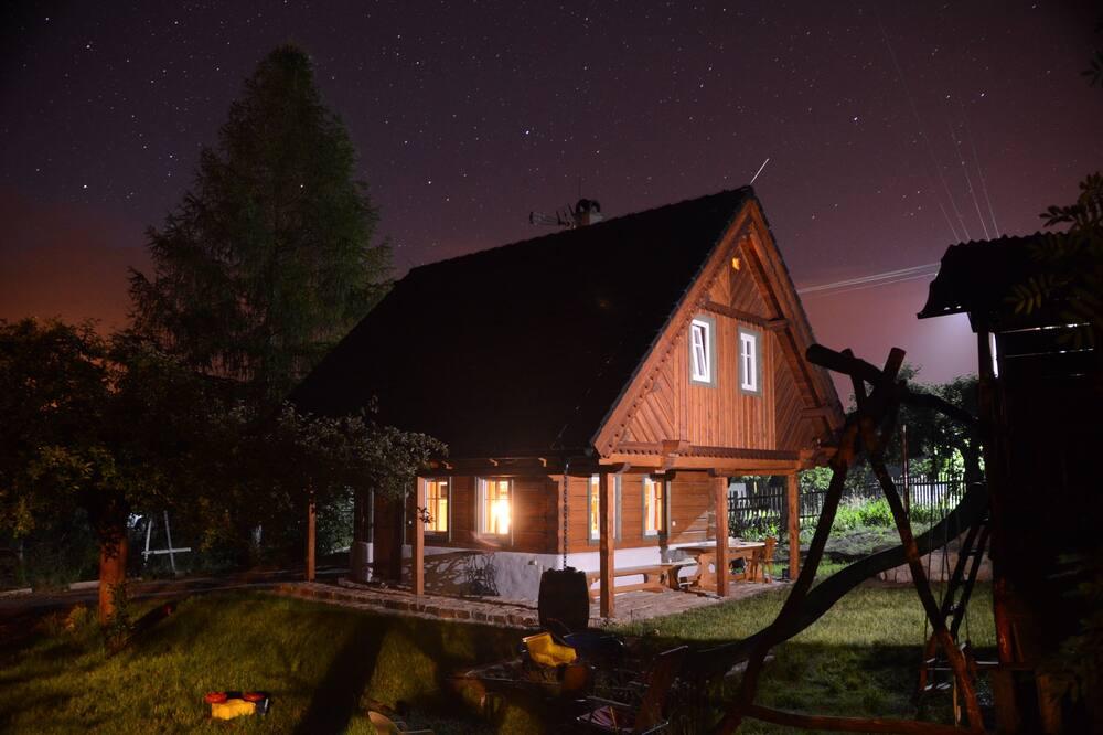 Casa de campo, 3 habitaciones, cocina básica, vista al jardín (Roubenka) - Habitación