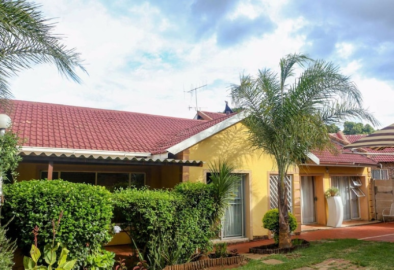 Lecawi Guest House, Centurion