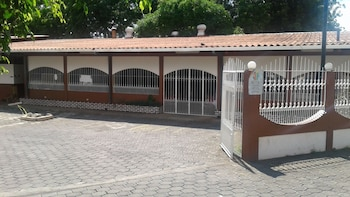 Picture of Hotel y Restaurante Charlie's in Leon