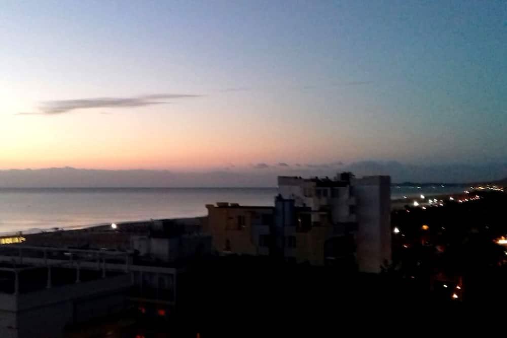Tek Büyük veya İki Ayrı Yataklı Oda (beach access) - Şehir Manzaralı