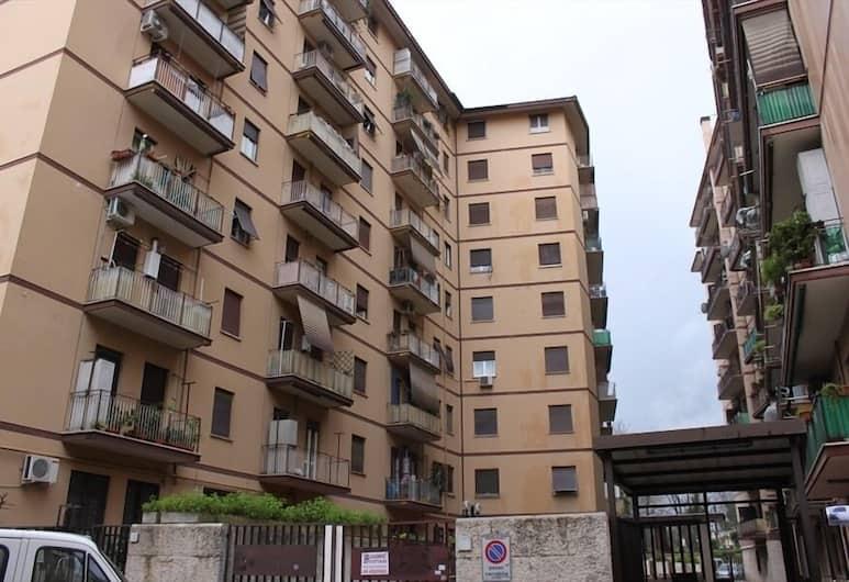 A Casa di Amici, Roma, Esterni