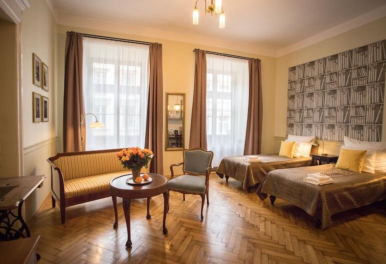 Scharffenberg Apartments Main Square, Krakow, Standard Studio Suite, Kitchenette (C), Living Area