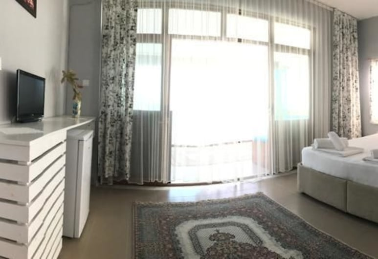 Marti Pansiyon, Milas, Family Quadruple Room, 1 Bedroom, Sea View, Guest Room View