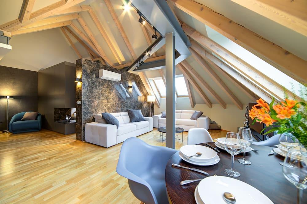 Design Apartment, 1 Bedroom, City View (Marble) - Tempat Makan dalam Bilik