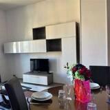 Apartment, 2Schlafzimmer, Seeblick - Essbereich im Zimmer