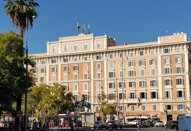 Domus al Vaticano 36, Rome, Voorkant hotel
