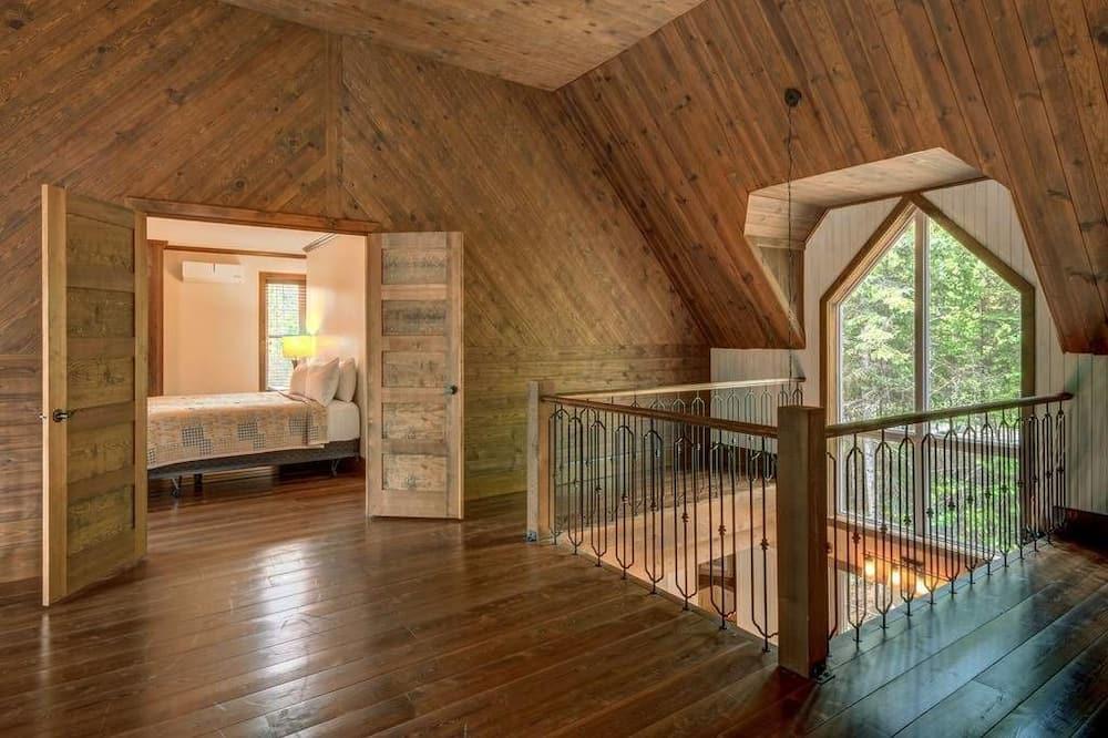 木屋, 多间卧室 - 起居区