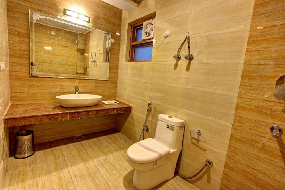 Maharaja Suite (Two Room Duplex )Snow Crest Balcony  - Kylpyhuone