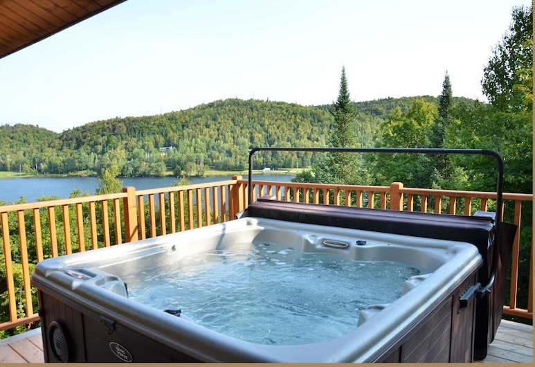 Chalet Loup Gris, Saint-Faustin-Lac-Carre, Bathtub Spa Luar Ruangan