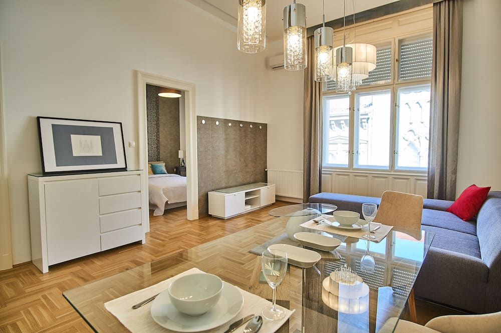 Exclusive Apartment, Non Smoking - Living Area