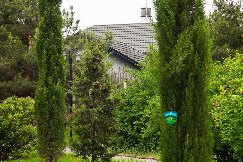 Family Chalet, 2 Bedrooms, Mountain View, Garden Area - Guest Room