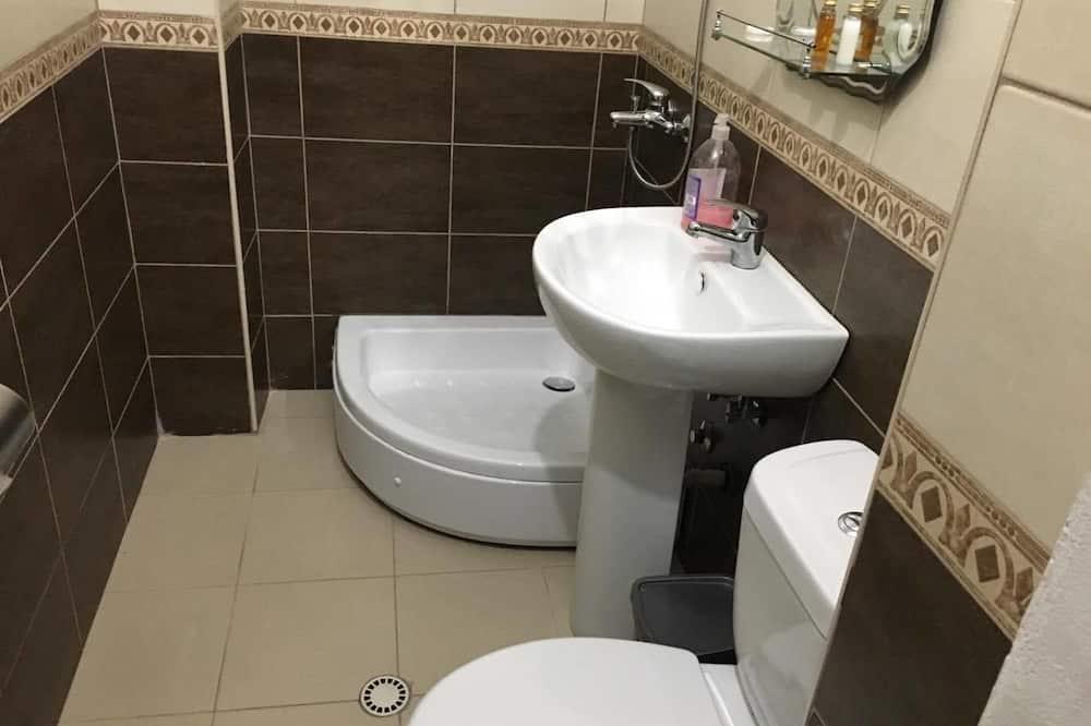Kamar Triple Kota - Kamar mandi