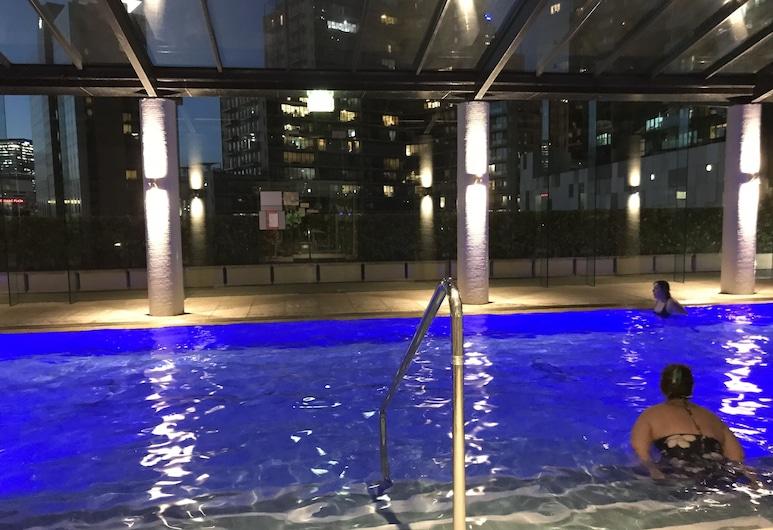 225 Melbourne Tower, סאות'בנק, בריכה מקורה